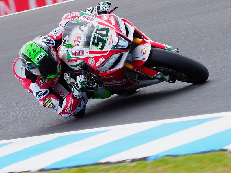 El Team Milwaukee vende la Aprilia de Laverty
