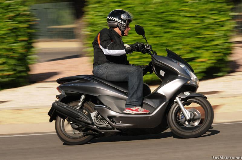 Prueba Honda PCX 125 - Stop & Go