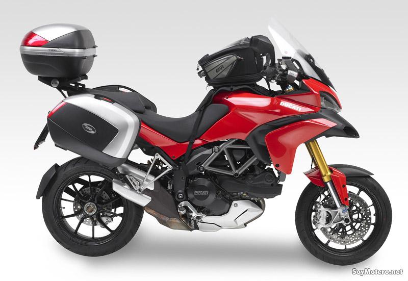 Ducati Multistrada 1200 con maletas, pantalla y bosa Givi