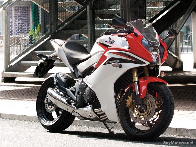 Honda CBR600F 2011, en la calle