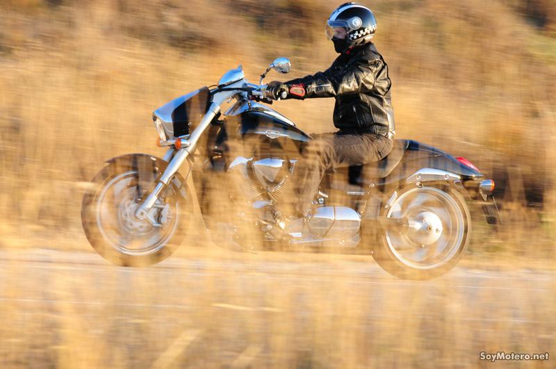 Prueba Suzuki Intruder 1800R: Custom musculosa