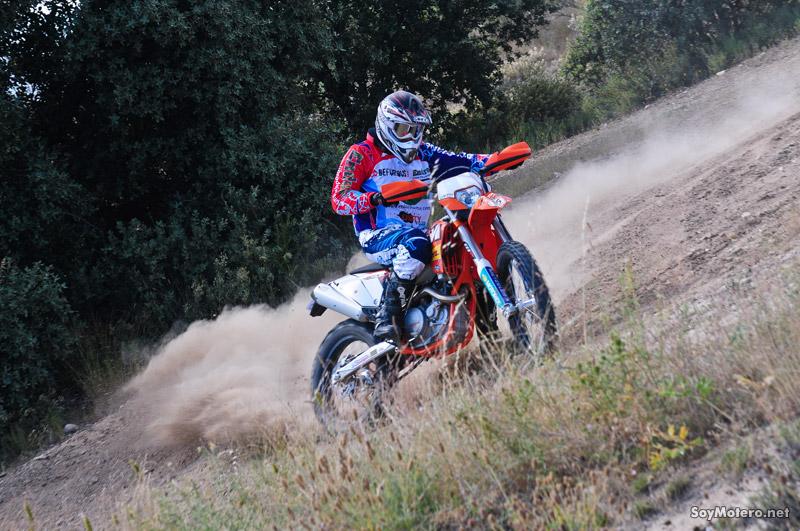 Prueba KTM 450 EXC Factory Edition: derivada de la moto de Iván Cervantes