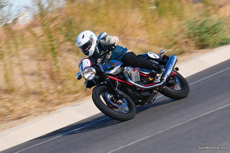 Prueba Moto Guzzi V7 Racer: retro con aires de grandeza
