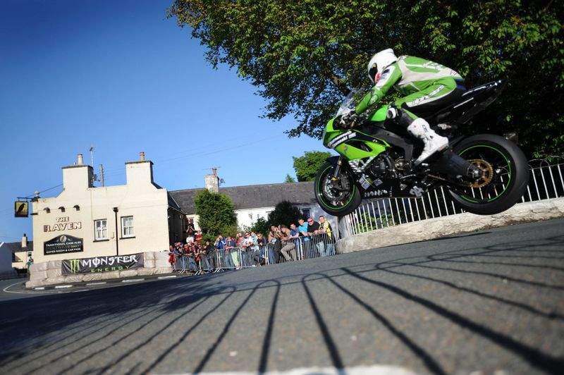 James Hillier, Tourist Trophy, Isla de Man, Kawasaki