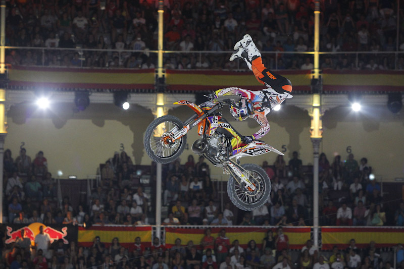 Freestyle Las Ventas 2012 - Red Bull X-Fighters: Levi Sherwood, justo vencedor en Madrid