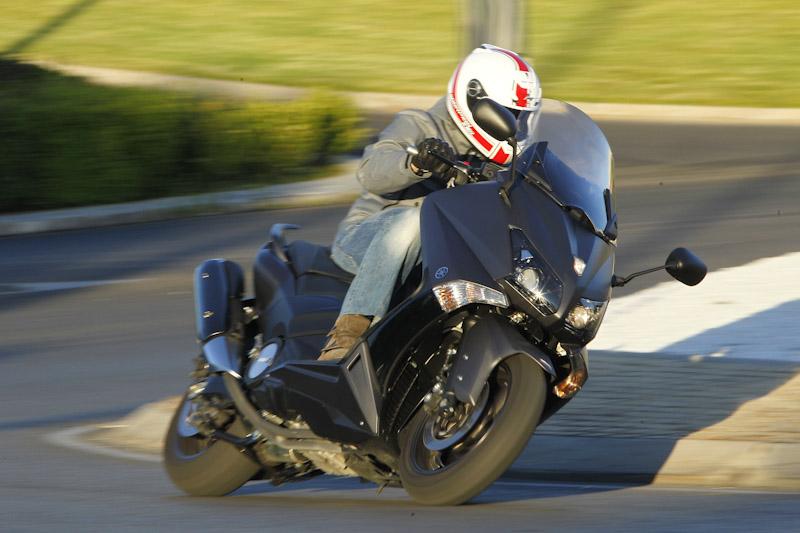 El Yamaha TMAX 530 2012 es el mejor scooter deportivo del mercado