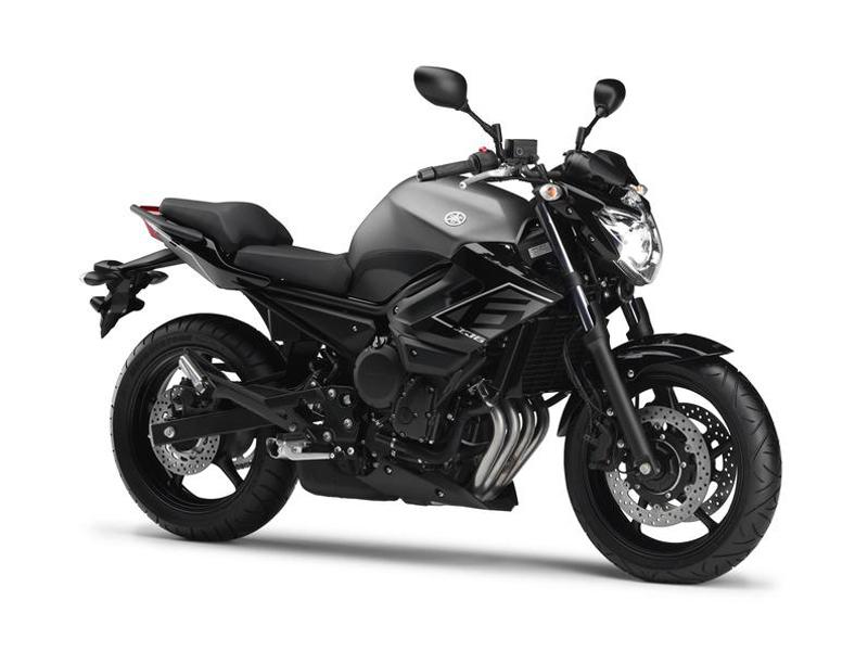Yamaha XJ6 SP negra