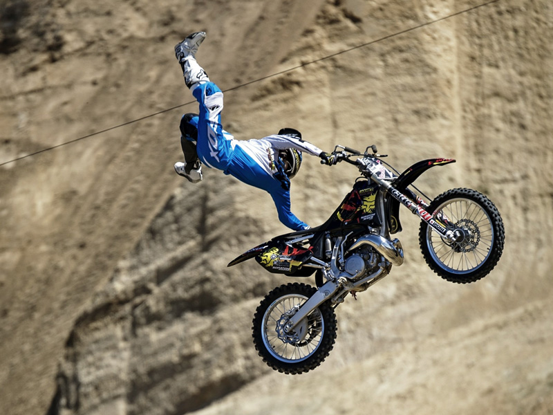 El vencedor del Red Bull X-Fighters de Glen Helen, Rob Adelberg, en plena exhibición.