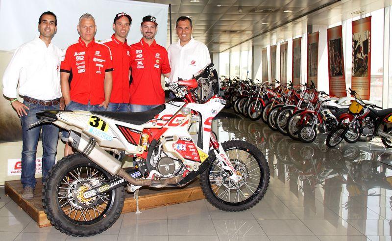Jordi Jordana (director deportivo Gas Gas), Marc Guasch, Gerard Farrés, Jordi Viladoms y Ramon Puente (director general Gas Gas)