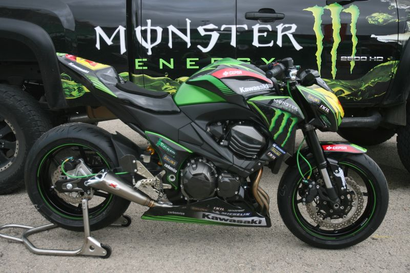 Kawasaki Z800 Cup 2013 color verde