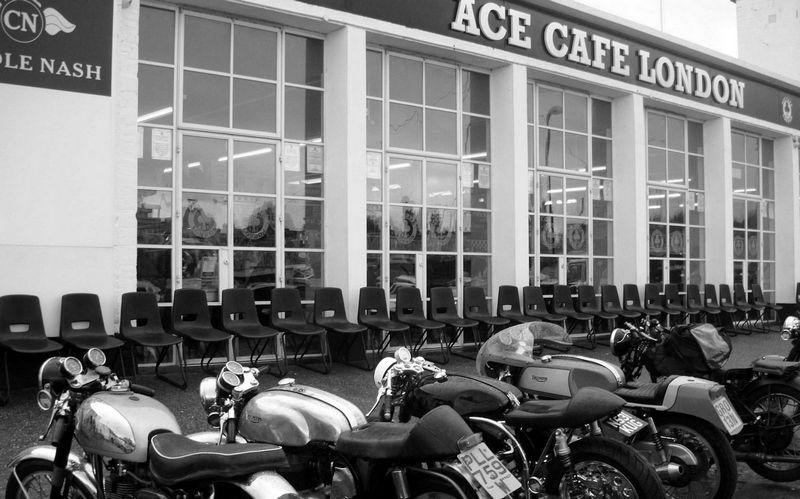 Ace Cafe: entrada principal a la cafetería