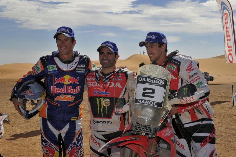 Marc Coma (KTM), Paulo Goncalves (Honda) y Joan Barreda (Honda), podio final del campeonato del mundo de rallies 2013