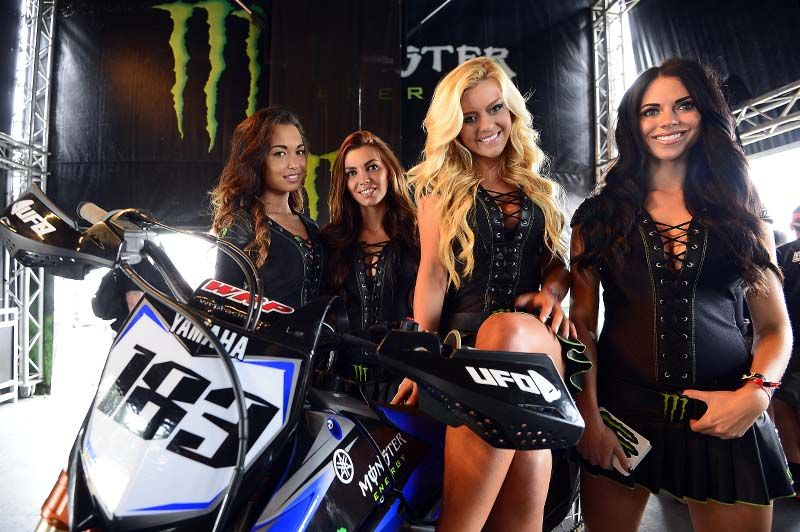 Chicas Monster en el Mundial de Motocross