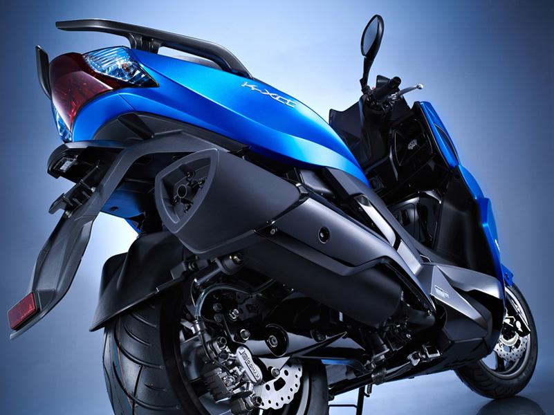 Trasera Kymco K-xct 125, una de las motos de Kymco que puedes conducir con el carnet de coche