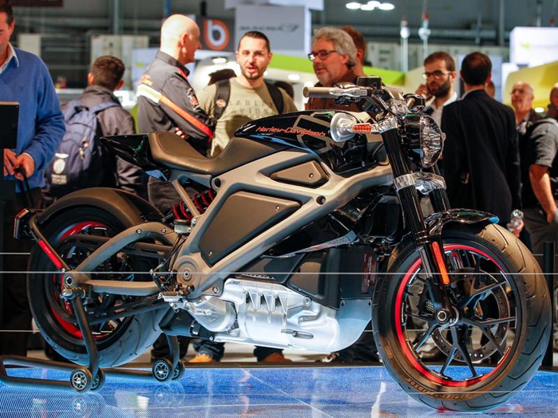 Harley-Davidson Iron 883 2016: Ficha técnica, fotos, vídeos ...