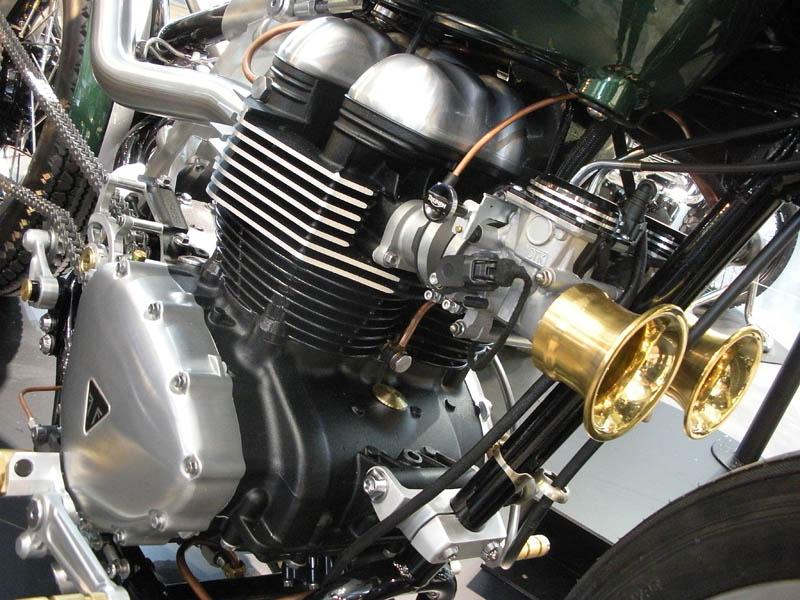 Los cilindros de la Triumph TFC1-Bobber han sido girados