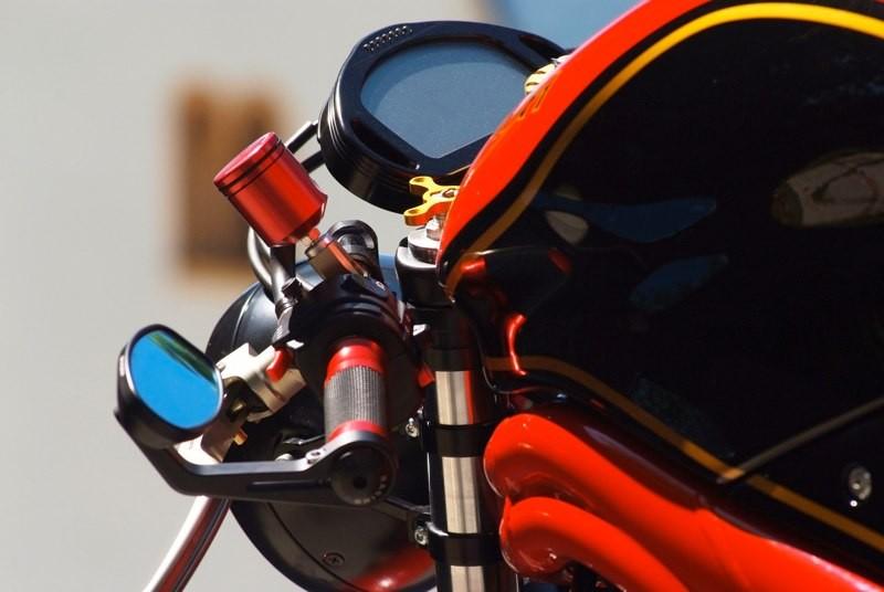 Detalle de la cuidada Triumph Speed Triple Burt Munro del preparador austriaco Julian Schneider