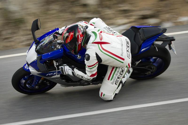 La estabilidad de la Yamaha R1 es intachable