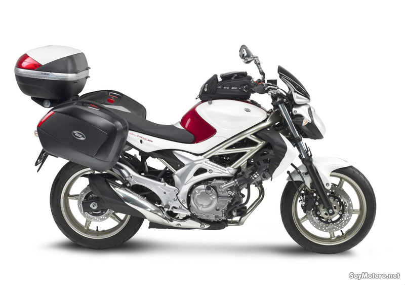 Givi marca estilo en la nueva Suzuki Gladius
