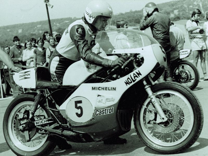Jack Findlay, aquí con una Jada, dio a Michelin su primer triunfo en 500.
