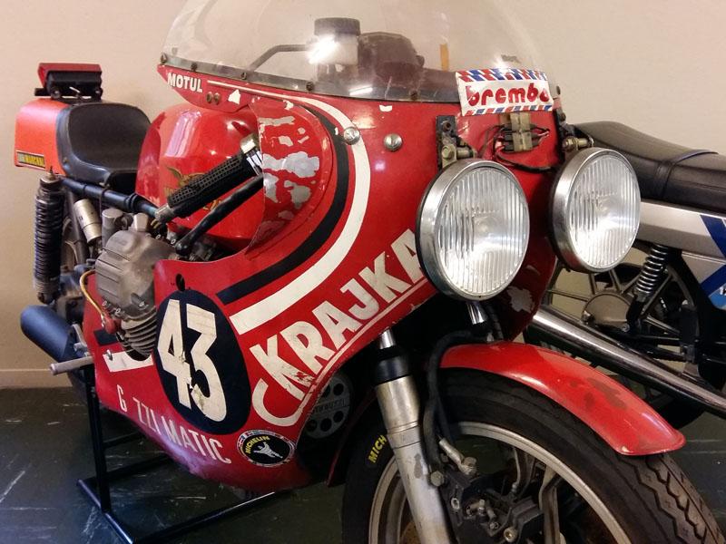 Moto Guzzi para carreras de Resistencia de principios de los '70