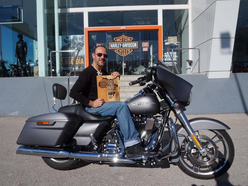 Rubén Bernabéu, ganador del concurso Harley-Davidson