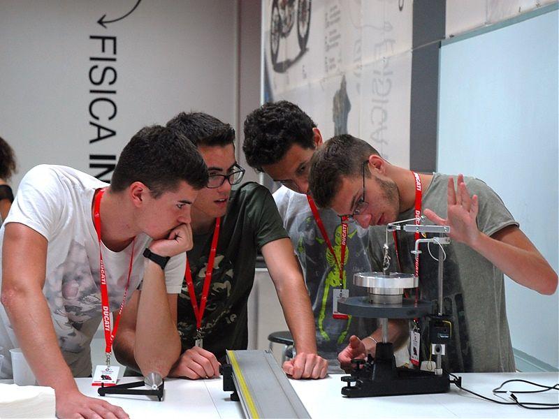 Ducati colabora estrechamente con las universidades