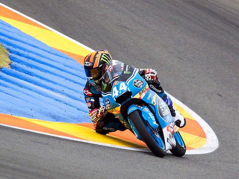 Aron Canet y su Honda en los test de Valencia