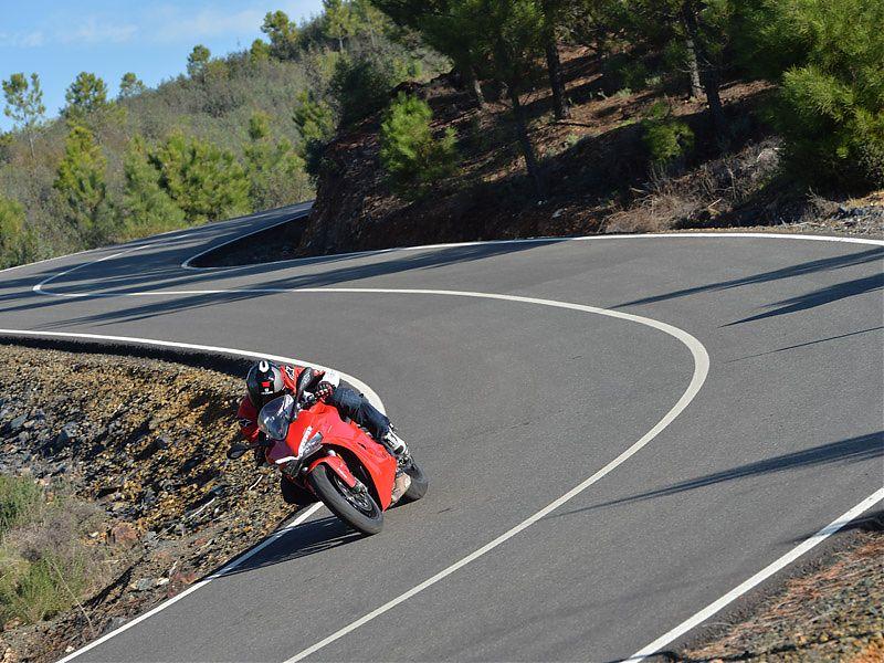 La Ducati Supersport 2017 dispone de multitud de accesorios para personalizarla