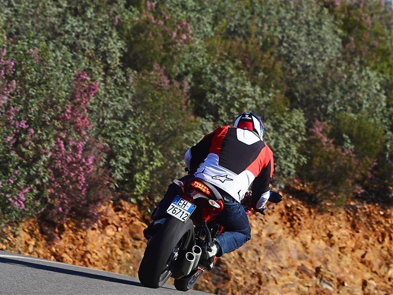 La Ducati Supersport incorpora de serie el Ducati Safety Pack (ABS + control de tracción)