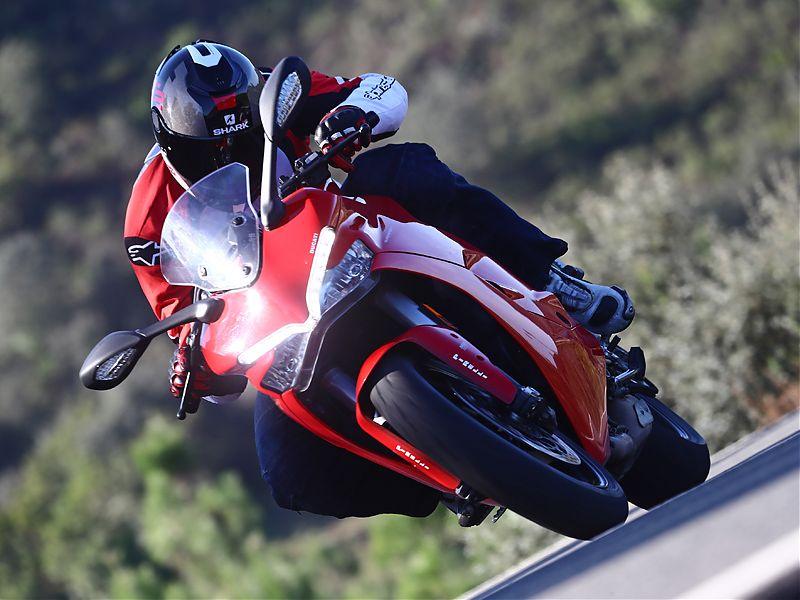 La ergonomía de la Ducati Supersport 2017 está muy lograda