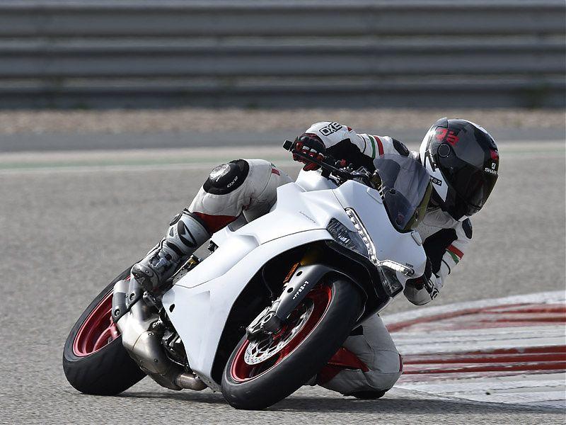 La presentación internacional dinámica de la Ducati Supersport S tuvo lugar en el Circuito de Monteblanco (Huelva)