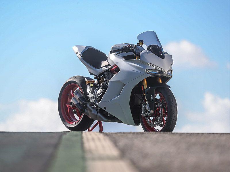 Ducati Supersport S lista para rodar en circuito