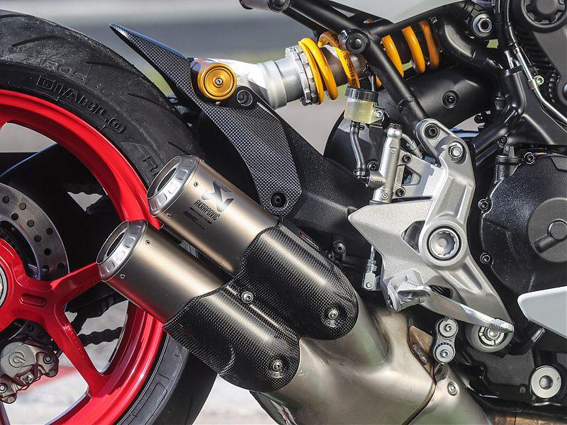 Silenciador Akrapovic de titanio homologado para la Ducati Supersport