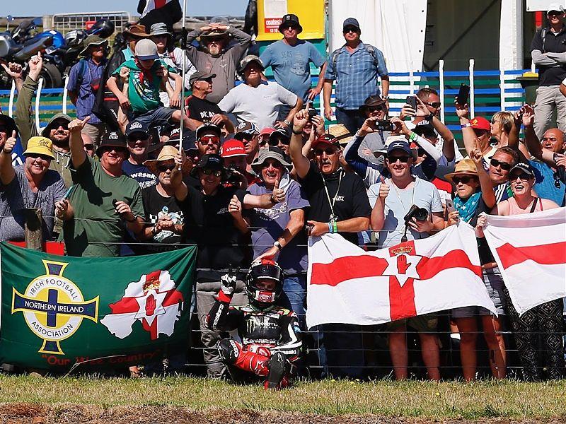 Jonathan Rea se lleva el doblete en Australia