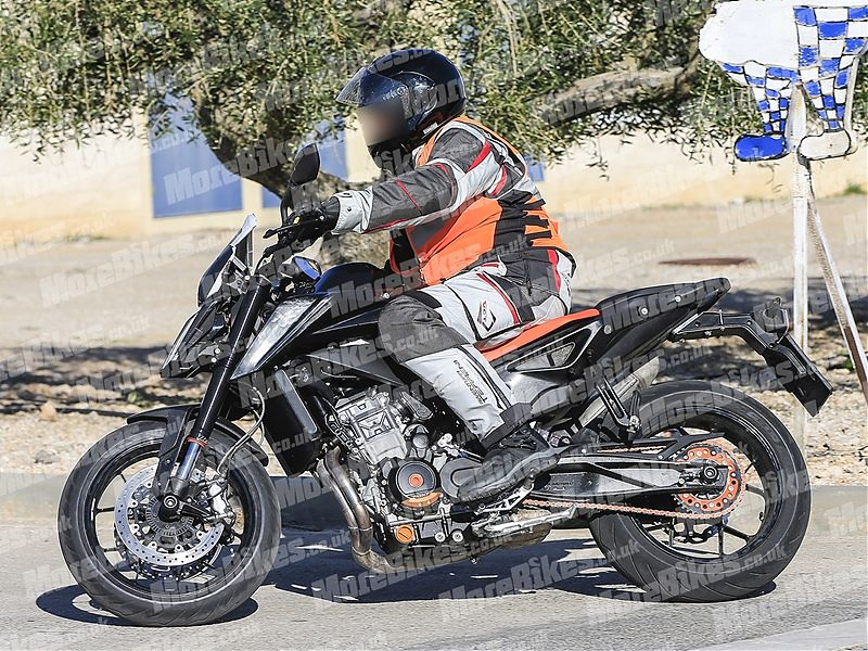 KTM 790 Duke 2018, vista lateral