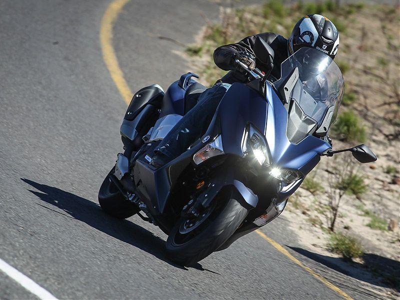La parte ciclo del Yamaha TMAX 2017 es la mejor del mercado maxiscooter sport