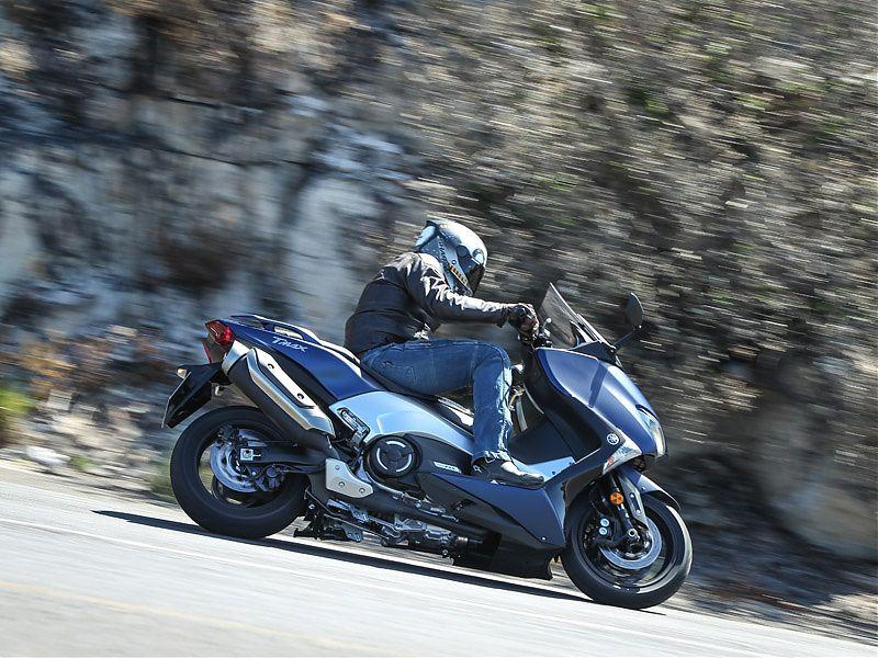 El Yamaha TMAX 2017 ha ganado en aceleración, agilidad y ligereza
