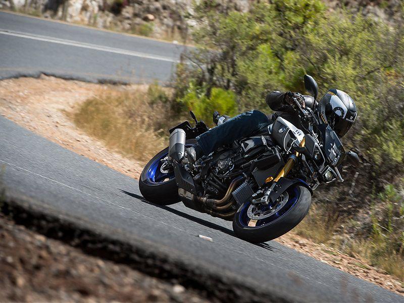 La estabilidad de la Yamaha MT-10 SP es intachable