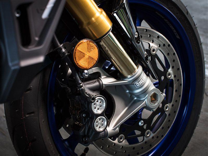 Horquilla invertida electrónica Öhlins NIX 30 y pinzas radiales para la Yamaha MT-10 SP