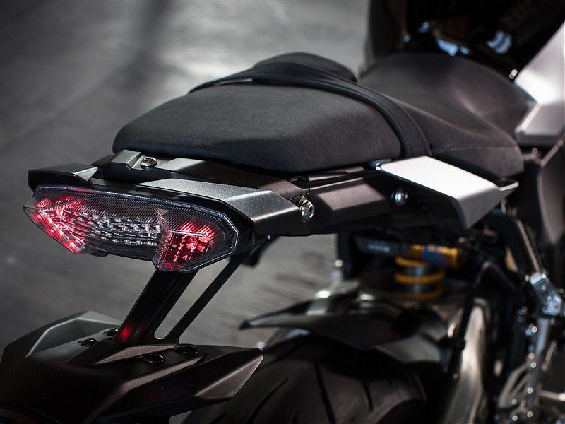 La óptica trasera de la Yamaha MT-10 SP es la misma que la de la MT-09
