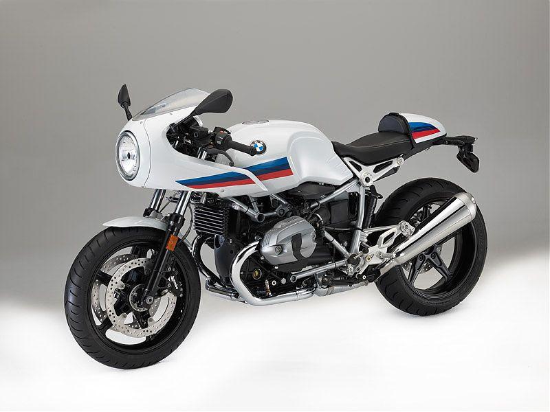 Vista tres cuartos frontal izquierda de la BMW R nineT Racer