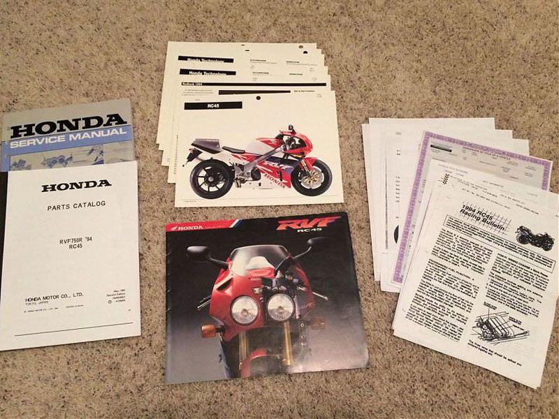 Documentación original de la Honda RVF750R