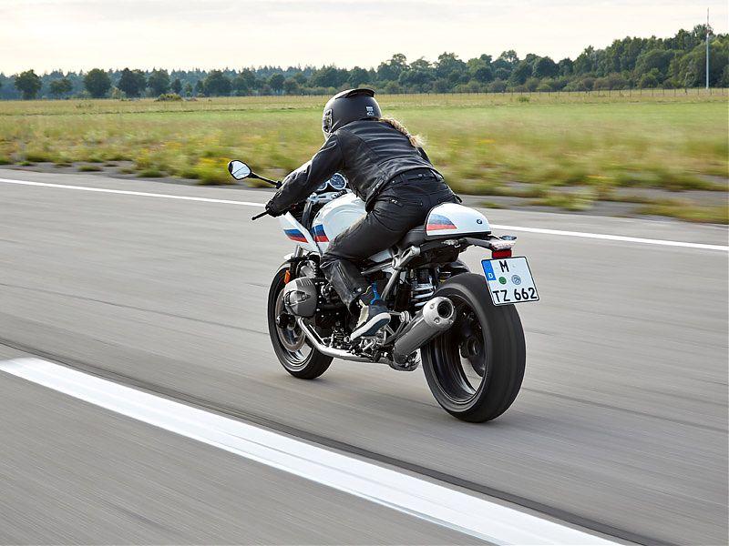La BMW R nineT Racer admite asiento biplaza para uso a dúo