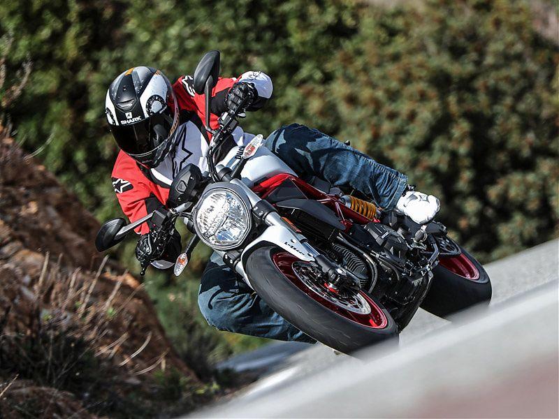 La Monster 797 es una moto completa, contenida y resultona