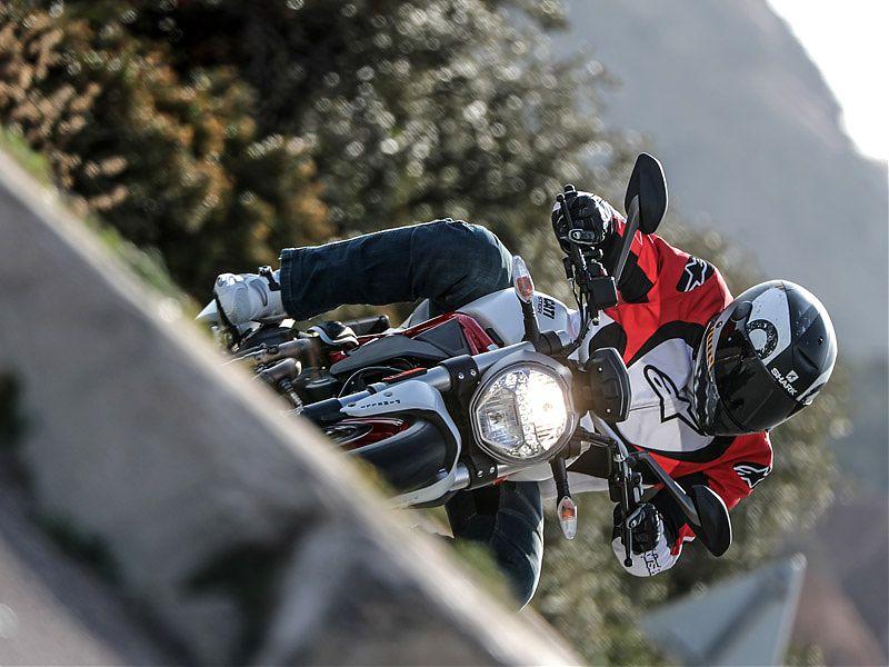 Luz de posición/trasera LED en la Ducati Monster 797