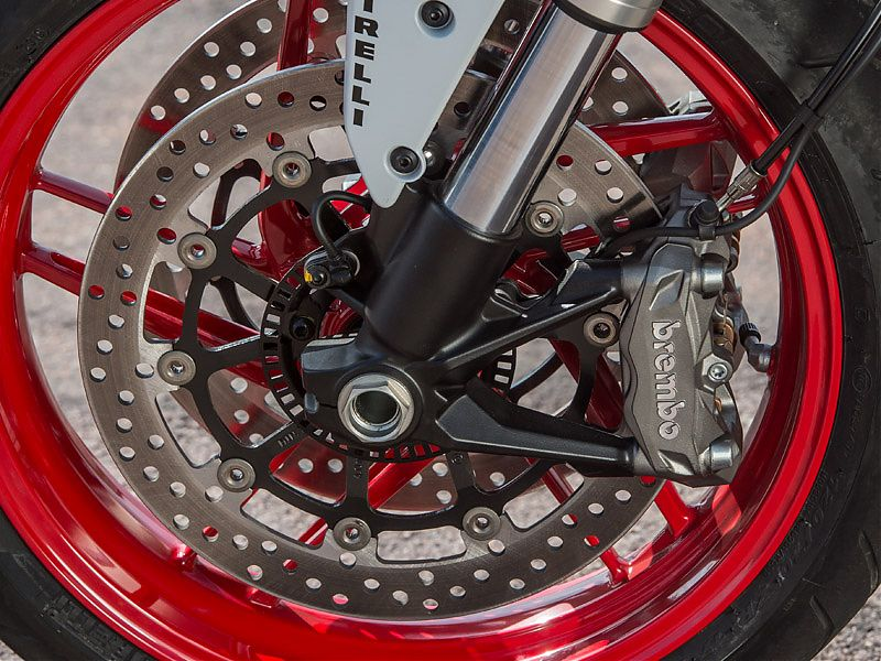 Doble disco, pinzas radiales y ABS en la Ducati Monster 797
