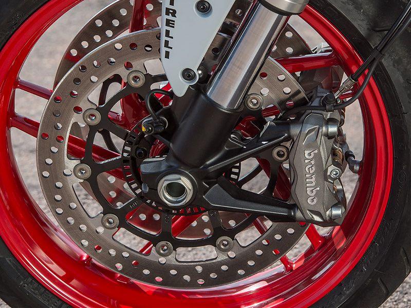 Doble disco, pinzas radiales y ABS en la Ducati Monster 797
