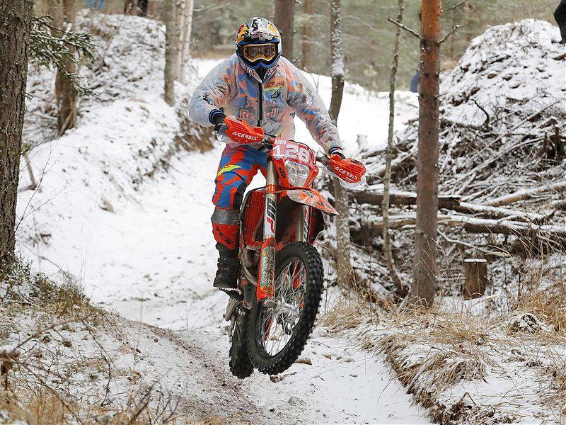 Josep García, sobre la nieve finlandesa.
