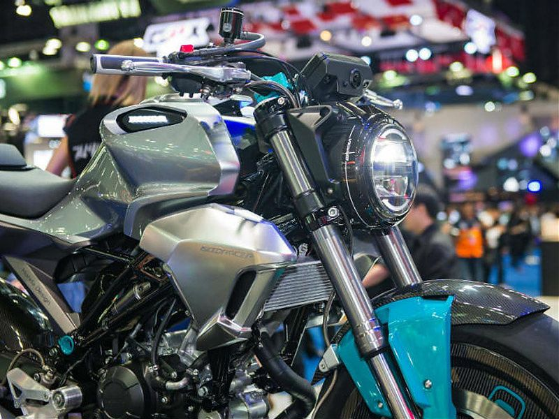 Frontal de la Honda 150SS Racer